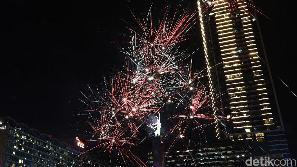 Netizen Cari Ramalan 2017 dan Ucapan Selamat Tahun Baru