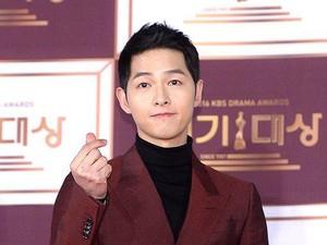 Rehat dari Akting, Song Joong Ki Fokus ke Kehidupan Asmara?