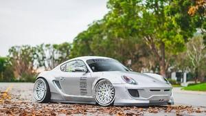 Porsche Cayman dengan Bodykit Lebar