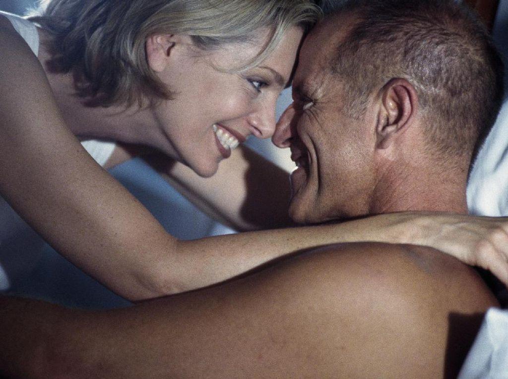 Kapan Waktu Terbaik Berhubungan Seks usai Melahirkan?