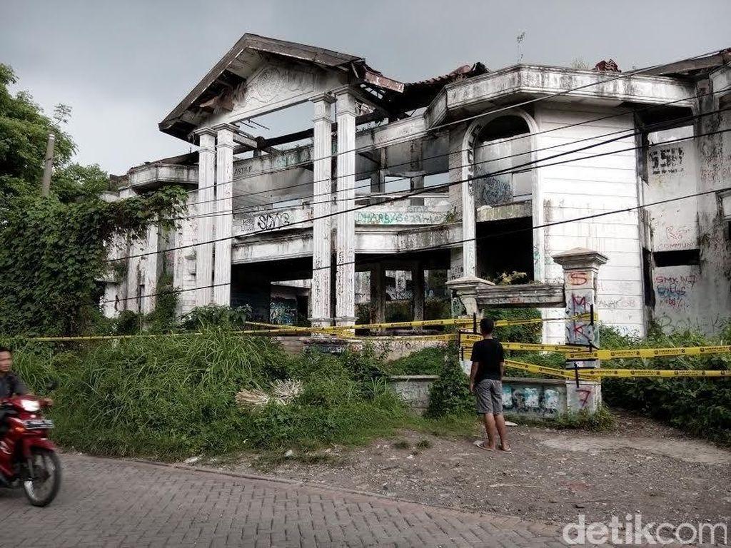 7 Rumah Mewah Berhantu, Nomor 3 di Indonesia