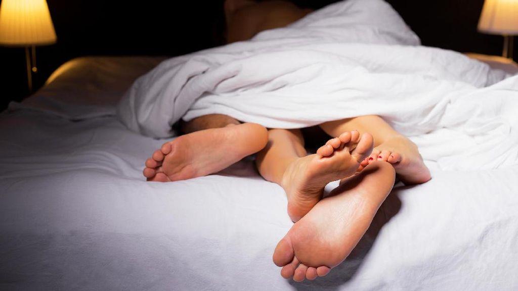 Studi: Ini 3 Posisi Seks Paling Berisiko Bagi Pria