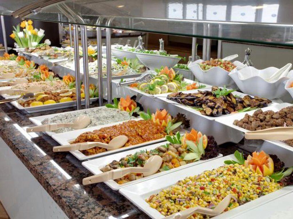 Restoran Buffet Mulai Buka, 5 Protokol Ini Bikin Pengunjung Makin Nyaman