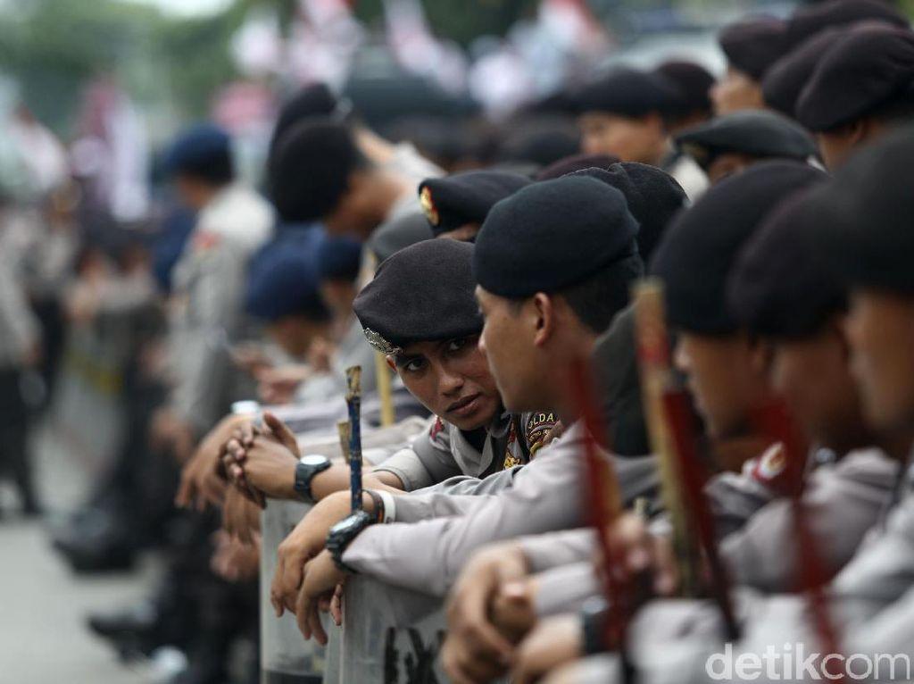 Personel Brimob Nusantara Disiagakan di Jakarta Jelang Pelantikan Presiden