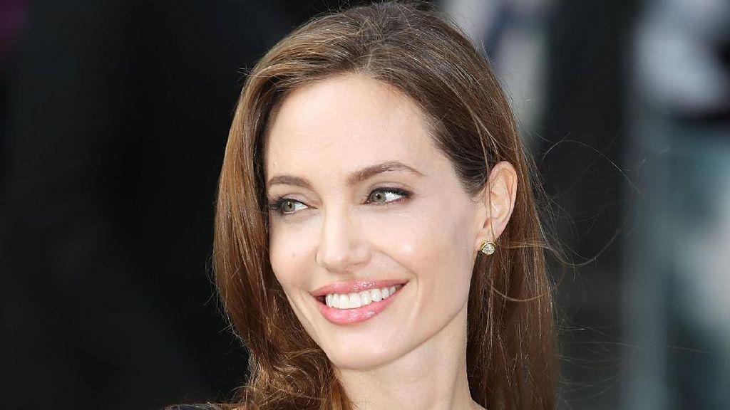 Ingin Bertemu Zahara, Ibu Kandung Tak Minta Uang dari Angelina Jolie