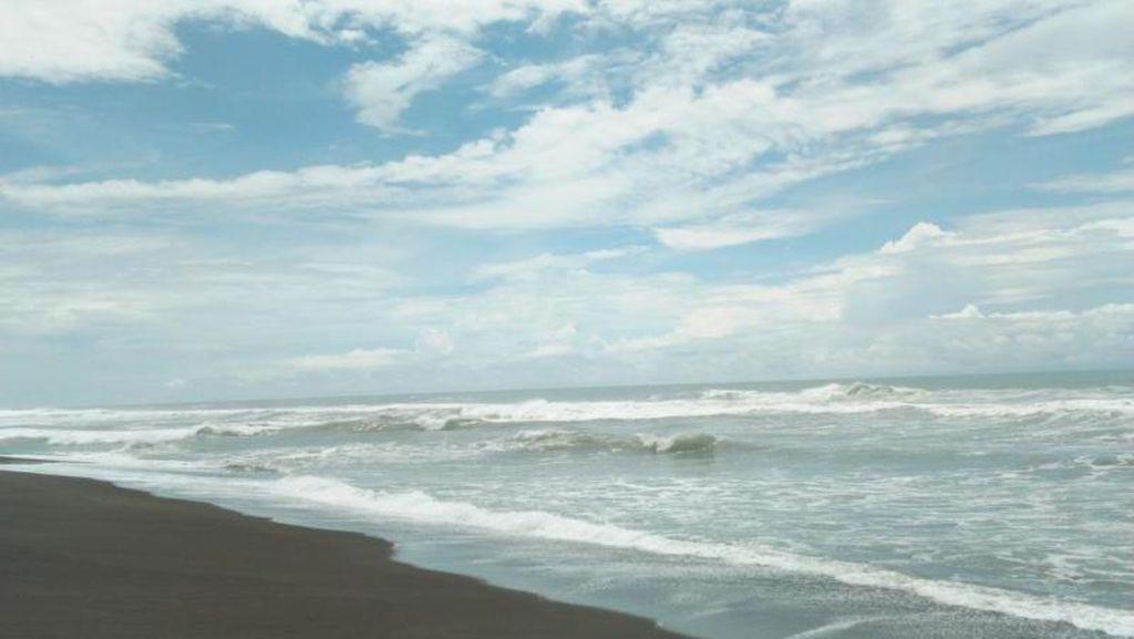 Satu Lagi yang Cantik di Yogya, Pantai Goa Cemara