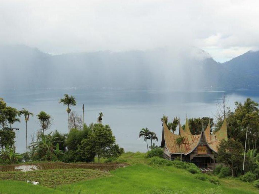 Danau Maninjau, Objek Wisata yang Terbentuk dari Letusan Gunung