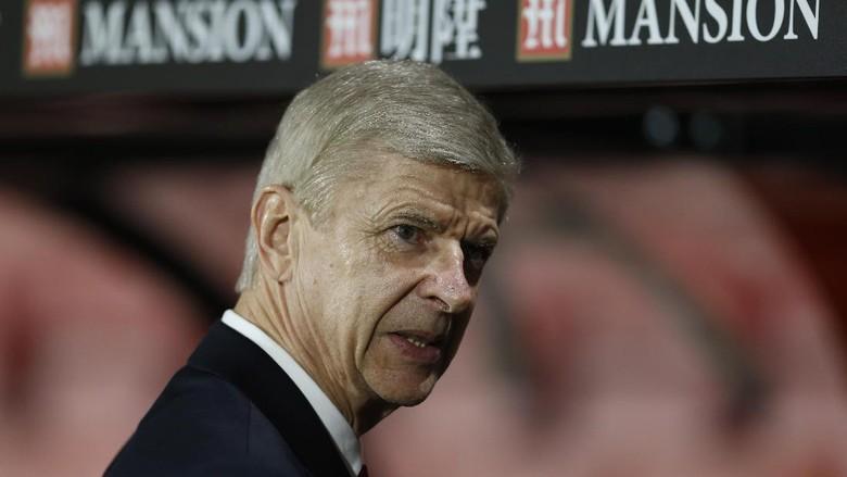 Wenger Akan Putuskan Masa Depannya Paling Lambat April