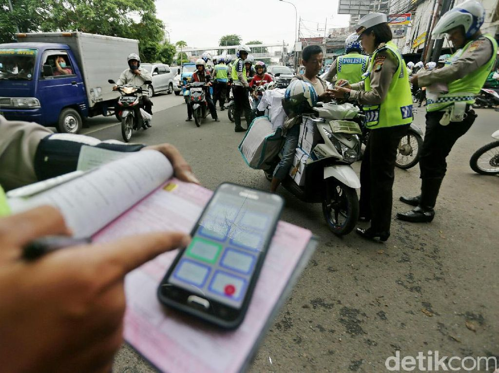 336 Kendaraan Terekam CCTV Langgar Tilang Elektronik