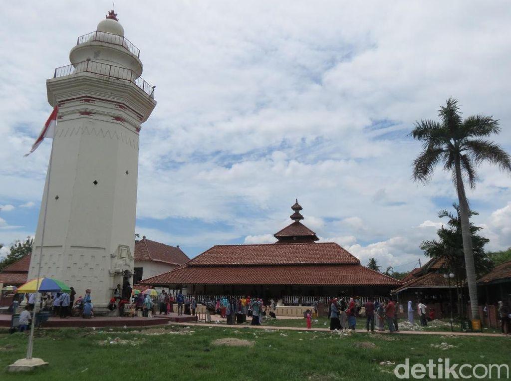 Masjid Agung Banten, Masjid Tua dengan Sentuhan Berbagai Budaya