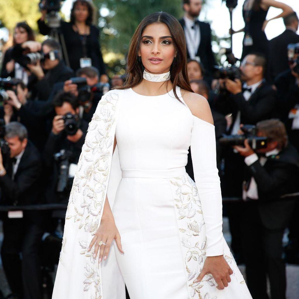 Titik Balik Sonam Kapoor dan Persaingan Menembus Film Hollywood