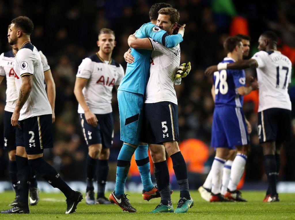 Tottenham dan MU Teratas di Periode Sibuk Premier League