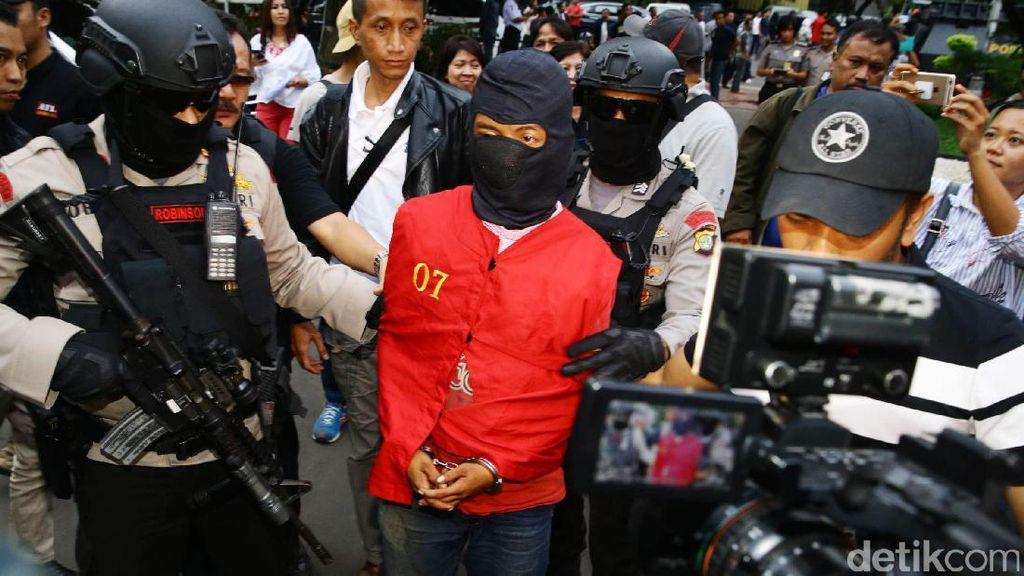 Polisi: Peneror Bom DAAI TV Gunakan Akun Facebook Palsu