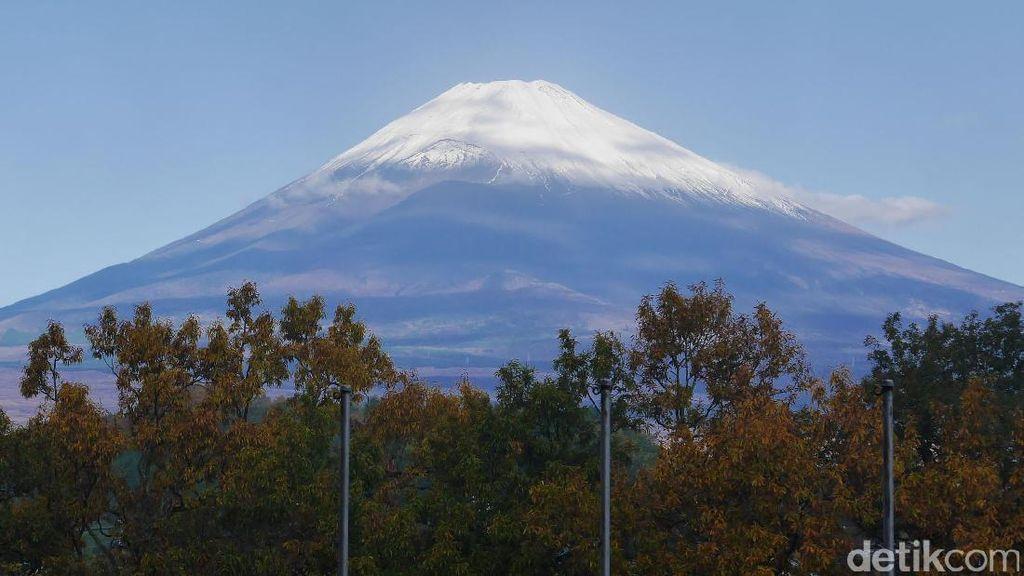 Disapa Gunung Fuji di Jepang