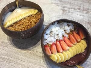 Menikmati Kesegaran <i>Smoothie Bowl</i> yang Populer dari Bali