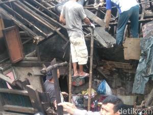 Puting Beliung Terjang Subang, Empat Rumah Warga Rusak