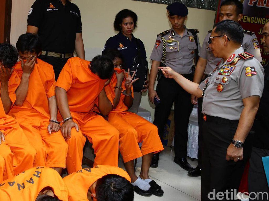 Polisi Bekuk 15 Pengedar Ganja Jaringan Aceh
