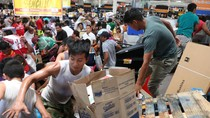 Imbas Kenaikan BBM, Penjarahan Toko-toko Terjadi di Meksiko