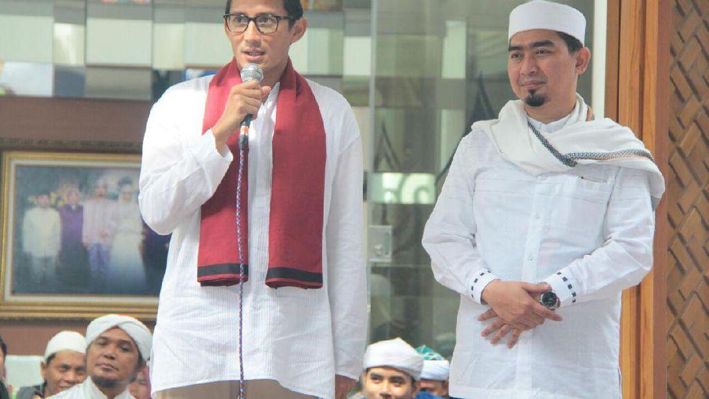 Ustaz Solmed Deklarasikan Dukung Anies-Sandi