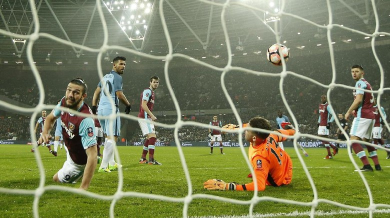 """Bandar Bola - Hari Yang Sangat Buruk Bagi West Ham United"""
