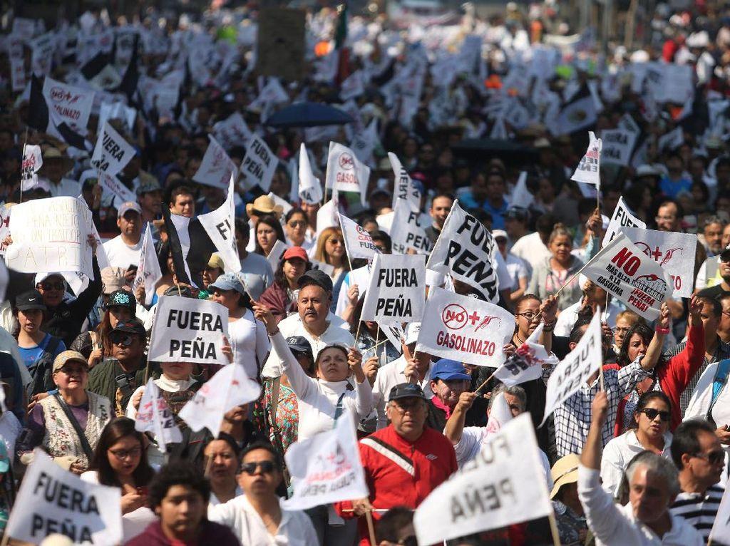 Ribuan Warga Meksiko Kembali Memprotes Kenaikan BBM