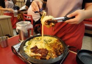 Apakah Makanan dengan Keju Leleh akan Tetap Jadi Tren Tahun Ini?