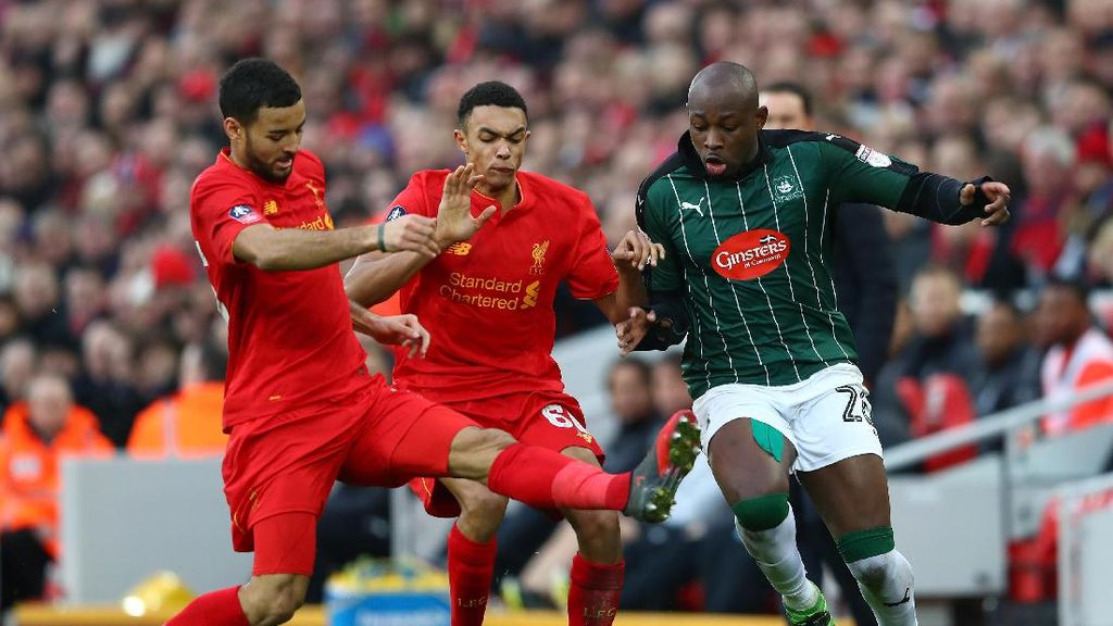 Liverpool Diimbangi Tim Divisi 4
