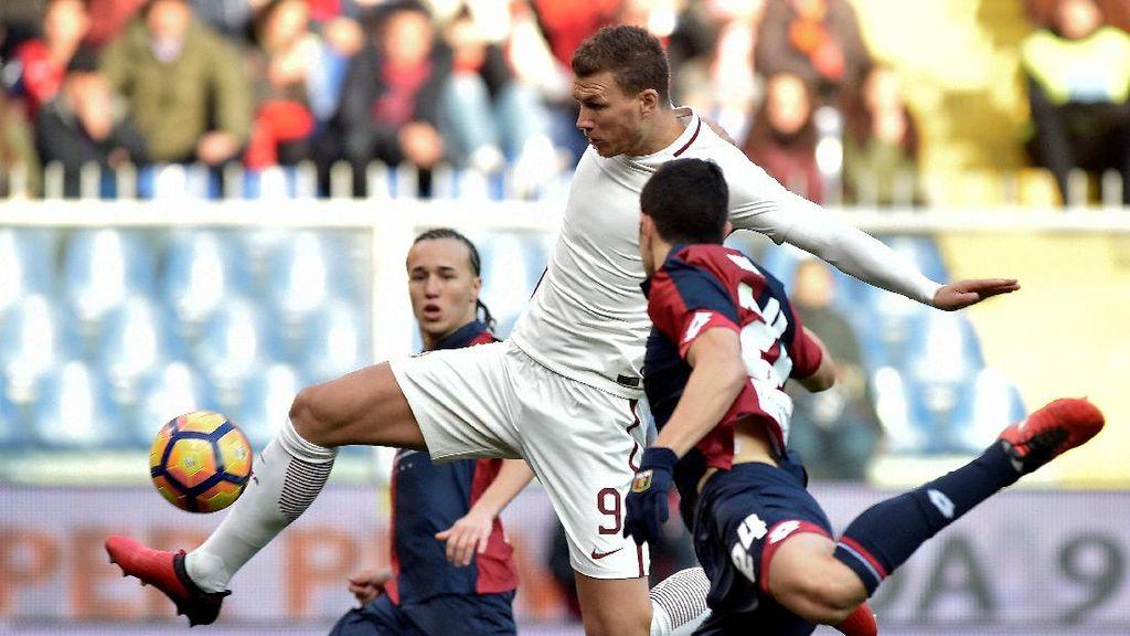 Gol Bunuh Diri Menangkan Roma