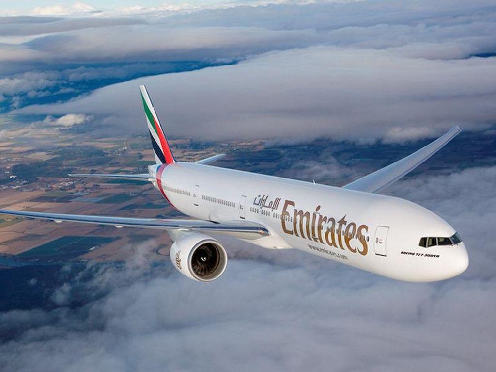 Emirates akan Bayar Biaya Medis Penumpang yang Positif Corona