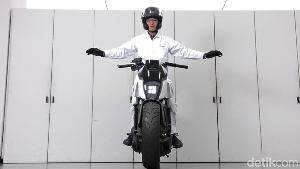 Motor Honda Ini Bisa Mengikuti Anda Seperti Anak Kucing