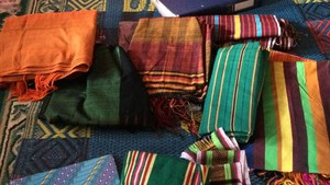 Selain Sarung, Yuk Belanja Tenun Lombok di Sembalun