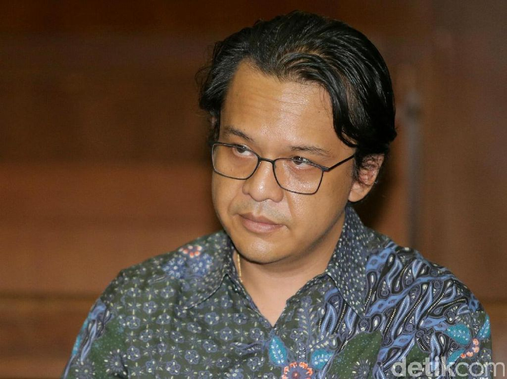 MA Tolak PK Advokat Penyuap Panitera Pengganti PN Jakpus SGD 28 Ribu