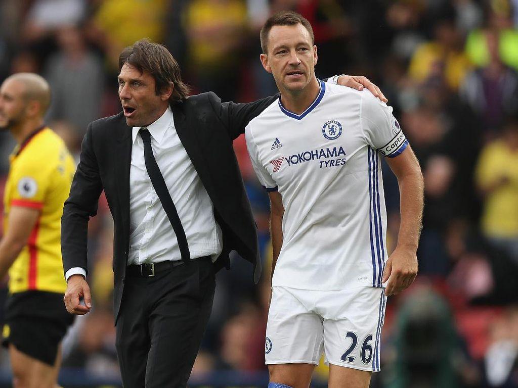 Desailly: Sudah Waktunya Terry Pergi dari Chelsea