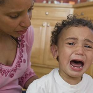 Menyikapi Anak yang Kesal karena Ditinggal sang Ibu ke Luar Kota