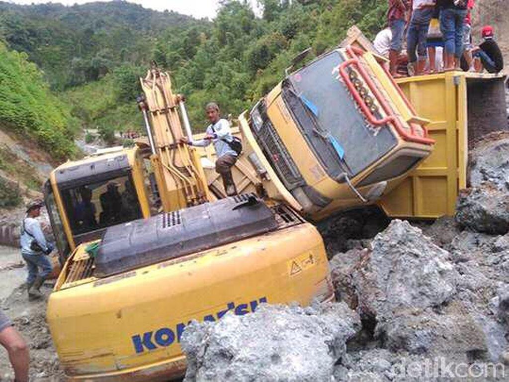 Tambang Galian di Kerinci Longsor, Timbun Truck dan Ekskavator