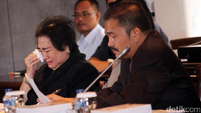 Menangis, Rachmawati Minta Fadli Zon Bantu Hentikan Kasus Makar