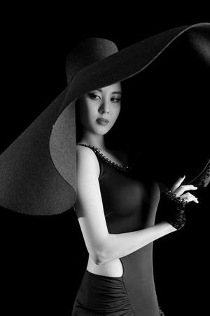 Debut Solo, Seohyun SNSD Tampil Seksi Bergaun Hitam