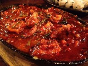 Di Sini Ada Ayam Bumbu Korea yang Pedas Mantap!