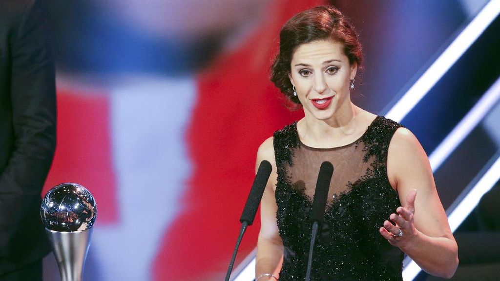 Carli Lloyd Sabet Penghargaan Pesepakbola Wanita Terbaik 2016