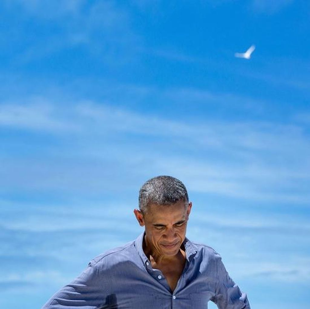 Kocaknya Obama Nyanyikan Lagu Starboy
