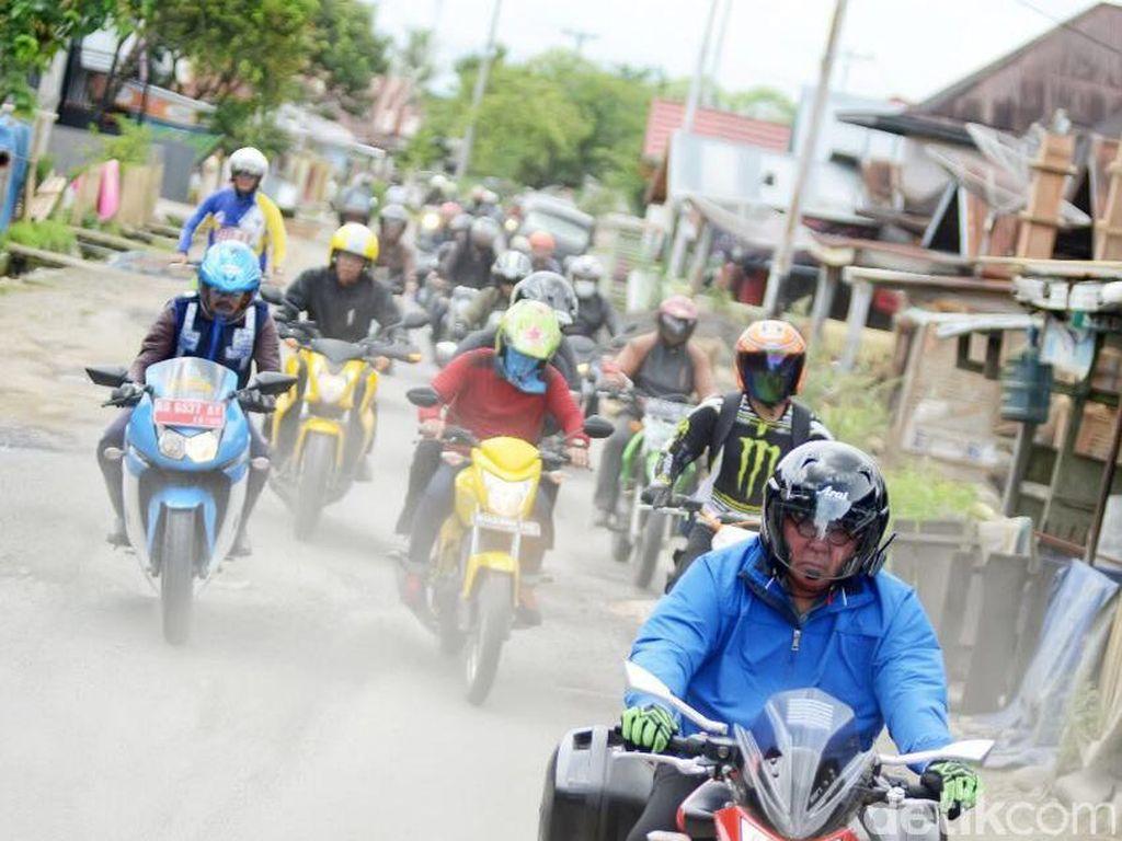 Gubernur Bengkulu Kecelakaan saat Blusukan Pakai Motor, Bahu Retak