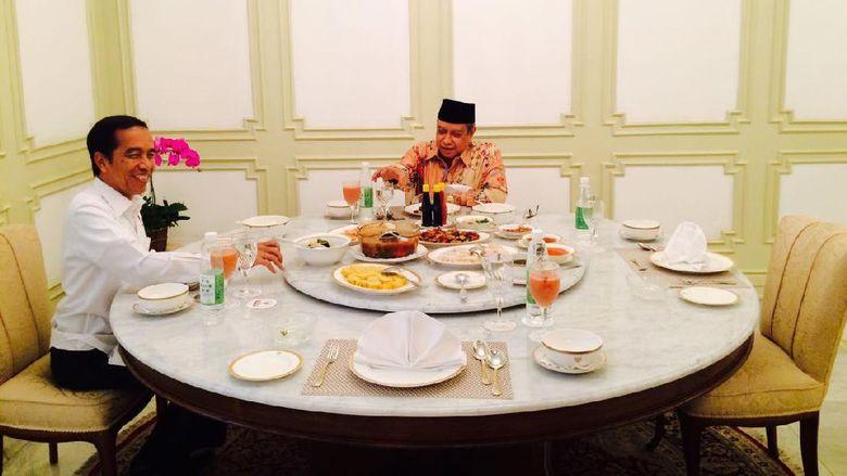 Makan Siang Bersama, Jokowi dan Ketum PBNU Bahas Kelompok Radikal