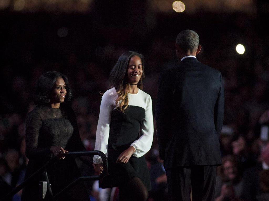 Obama Mengaku Menangis Saat Antar Malia ke Kampus Harvard