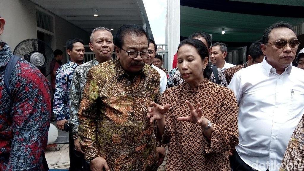 Rini Pantau Pengembangan Transportasi Udara di Selatan Jawa