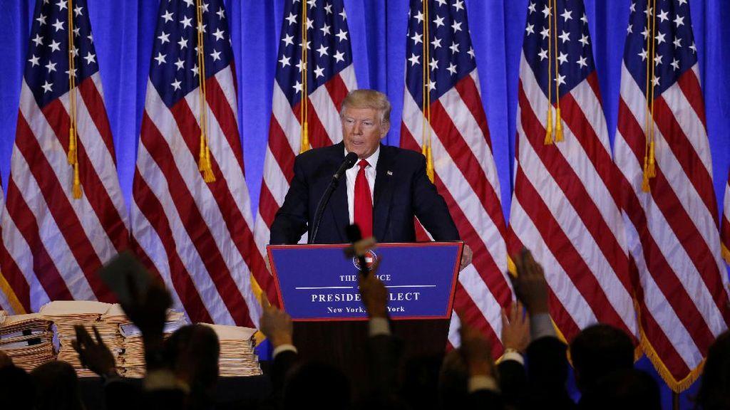 Trump Beri Karangan Bunga di Makam Pahlawan Tak Dikenal