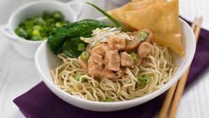 Mencicip Kelezatan Mie Ayam di 5 Restoran Ngetop Ini!