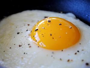 Jaga Kesehatan Tiroid Anda dengan Rutin Konsumsi Makanan Ini (1)