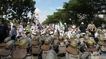 Bentrok di Dekat Mapolda Jabar, FPI: Ada Laskar Kami Ditusuk