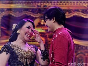 <i>Lovely Moment</i>! Kado Indah Armand Maulana untuk Dewi Gita