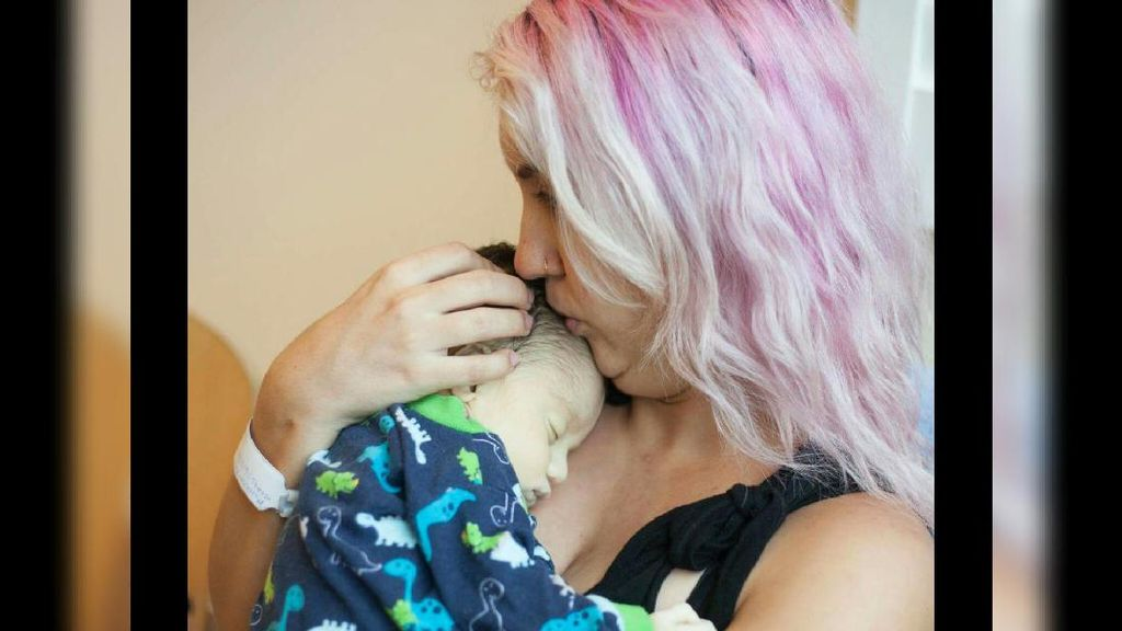 Kisah Duka Ibu Pasca Kematian Bayinya dan 1.000 Liter ASI Donor